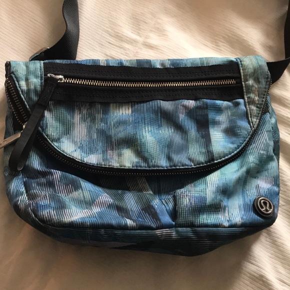 lululemon athletica Handbags - Bag